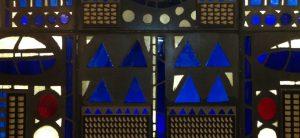 Detail des Reliefs im Vringstreff: Pralinen-Gussformen zu entdecken